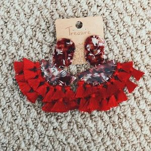 Red drop acrylic and fringe earrings!!!